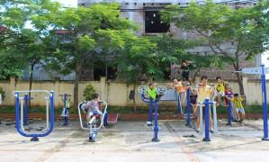 """Người dân khu vực ngoại thành Hà Nội: """"Khát"""" thiết bị thể thao cộng đồng"""